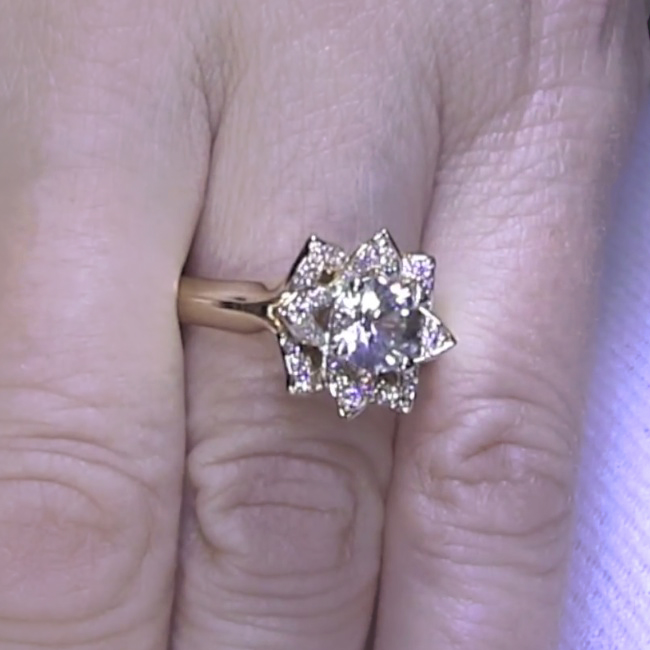 How To Sell An Engagement Ring Online